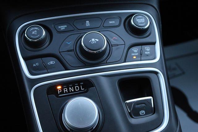 2016 Chrysler 200 Limited Mooresville, North Carolina 36