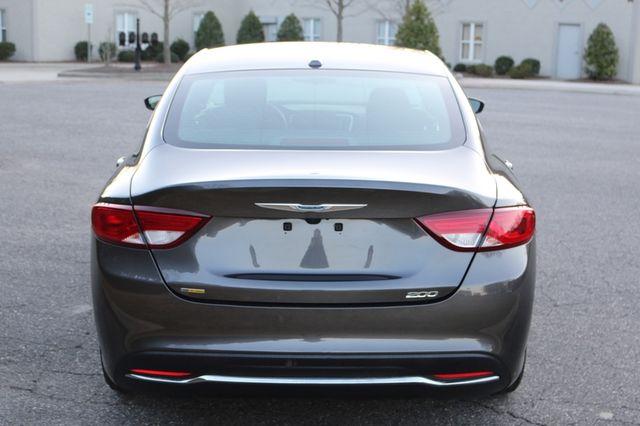 2016 Chrysler 200 Limited Mooresville, North Carolina 4