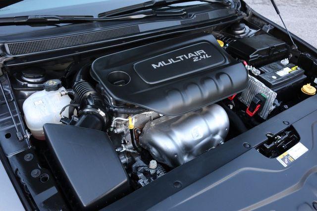2016 Chrysler 200 Limited Mooresville, North Carolina 43