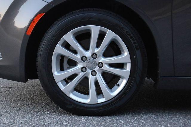 2016 Chrysler 200 Limited Mooresville, North Carolina 46