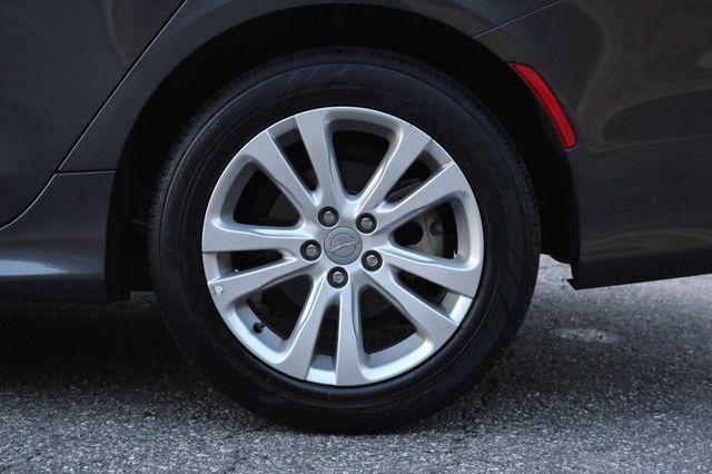 2016 Chrysler 200 Limited Mooresville, North Carolina 47