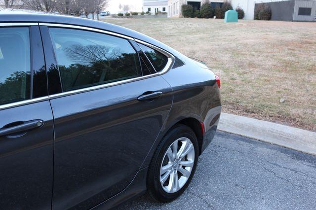 2016 Chrysler 200 Limited Mooresville, North Carolina 54