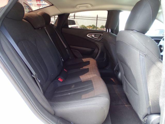 2016 Chrysler 200 Limited San Antonio , Texas 23