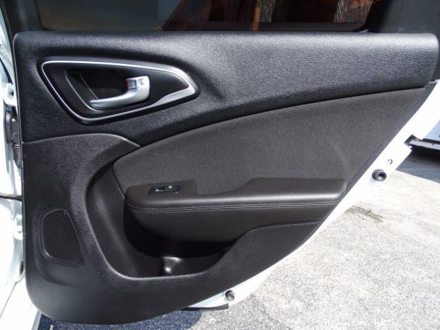 2016 Chrysler 200 Limited San Antonio , Texas 24