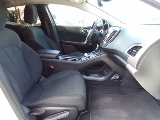 2016 Chrysler 200 Limited San Antonio , Texas 25