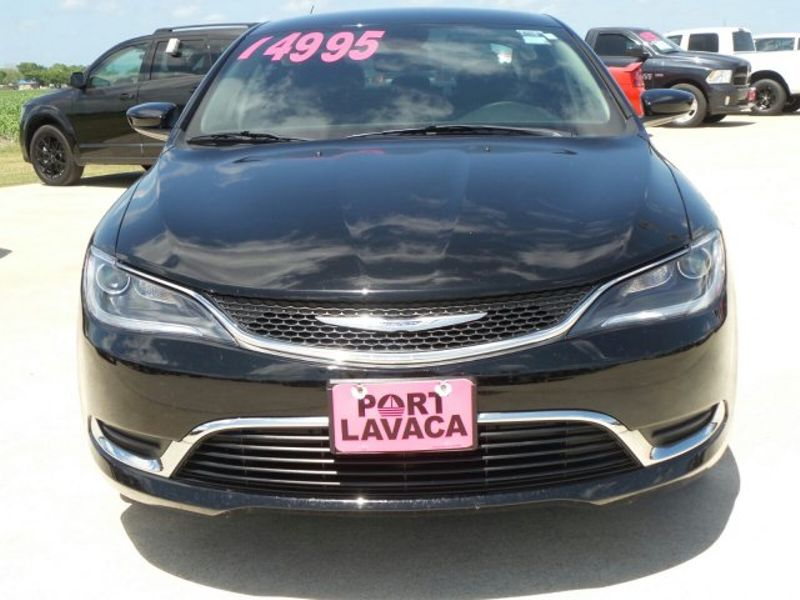 2016 Chrysler 200 Limited   Texas  Victoria Certified  in , Texas