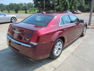 2016 Chrysler 300 Limited Houston, Mississippi 4