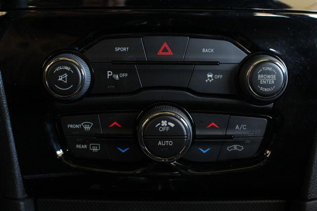 2016 Chrysler 300 300S AWD W/ PREMIUM GRP - NAV - PANO SUNROOFS! Mooresville , NC 40