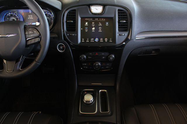 2016 Chrysler 300 300S AWD W/ PREMIUM GRP - NAV - PANO SUNROOFS! Mooresville , NC 11