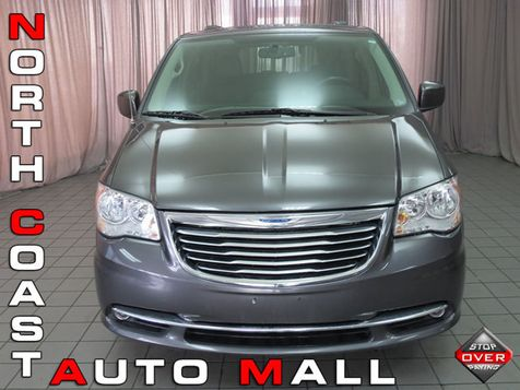 2016 Chrysler Town & Country Touring in Akron, OH