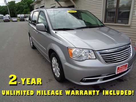 2016 Chrysler Town & Country Touring in Brockport