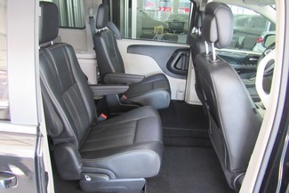 2016 Chrysler Town & Country Touring W/ DVD/ BACK UP CAM Chicago, Illinois 11