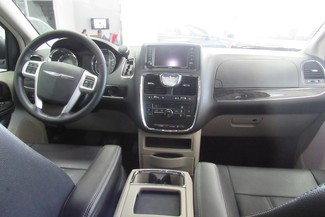 2016 Chrysler Town & Country Touring W/ DVD/ BACK UP CAM Chicago, Illinois 13