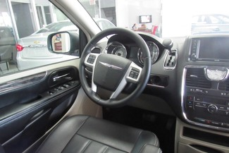 2016 Chrysler Town & Country Touring W/ DVD/ BACK UP CAM Chicago, Illinois 14