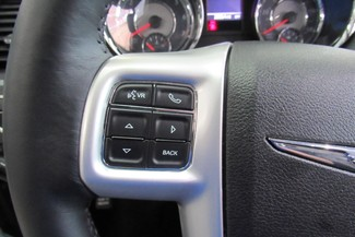2016 Chrysler Town & Country Touring W/ DVD/ BACK UP CAM Chicago, Illinois 16