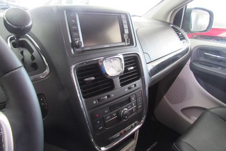 2016 Chrysler Town & Country Touring W/ DVD/ BACK UP CAM Chicago, Illinois 18