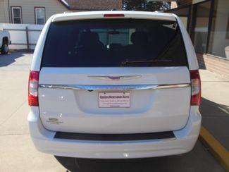 2016 Chrysler Town & Country Touring Clinton, Iowa 27