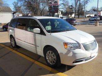 2016 Chrysler Town & Country Touring Clinton, Iowa 1