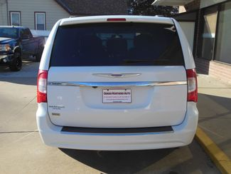2016 Chrysler Town & Country Touring Clinton, Iowa 26