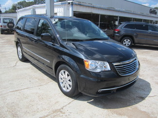 2016 Chrysler Town & Country Touring Houston, Mississippi 1
