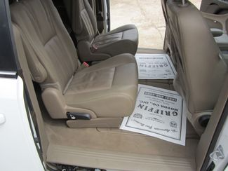 2016 Chrysler Town & Country Touring Houston, Mississippi 9