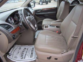 2016 Chrysler Town & Country Touring Houston, Mississippi 6