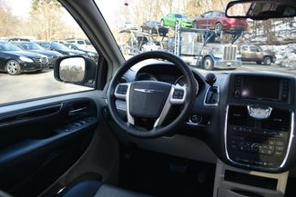 2016 Chrysler Town & Country Touring Naugatuck, Connecticut 11