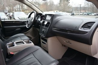 2016 Chrysler Town & Country Touring Naugatuck, Connecticut 1