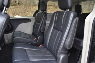2016 Chrysler Town & Country Touring Naugatuck, Connecticut 5