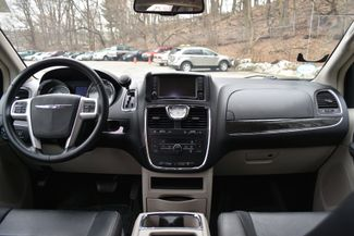 2016 Chrysler Town & Country Touring Naugatuck, Connecticut 7