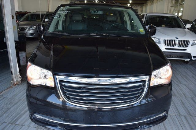 2016 Chrysler Town & Country Touring Richmond Hill, New York 1