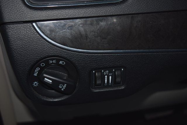 2016 Chrysler Town & Country Touring Richmond Hill, New York 22