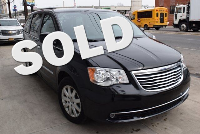 2016 Chrysler Town & Country Touring Richmond Hill, New York 0