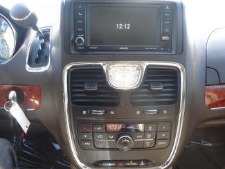 2016 Chrysler Town & Country Touring SEFFNER, Florida 3