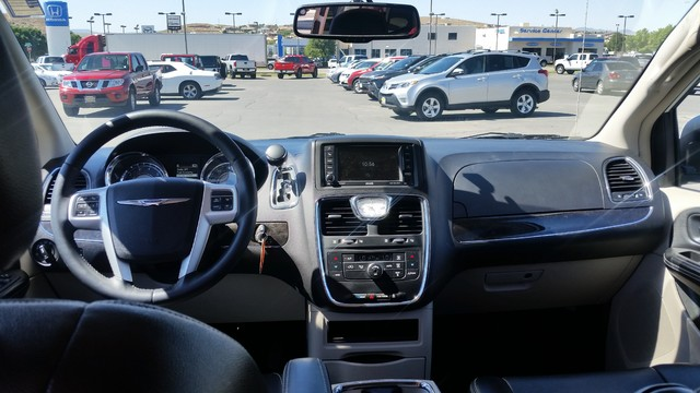 2016 Chrysler Town & Country Touring St. George, UT 11