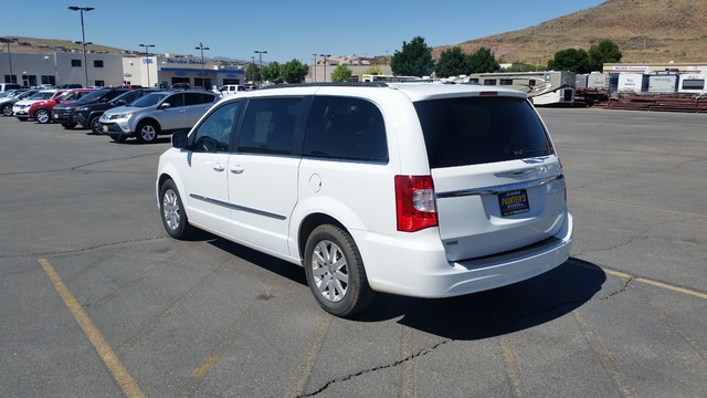 2016 Chrysler Town & Country Touring St. George, UT 3