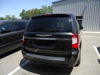 2016 Chrysler Town & Country Touring. NAVIGATION SEFFNER, Florida 9