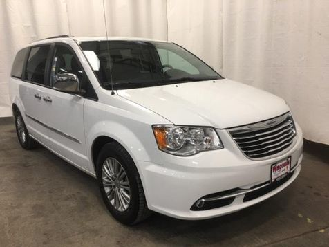 2016 Chrysler Town & Country Touring-L Anniversary Edition in Victoria, MN