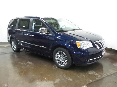 2016 Chrysler Town & Country Touring-L in Victoria, MN
