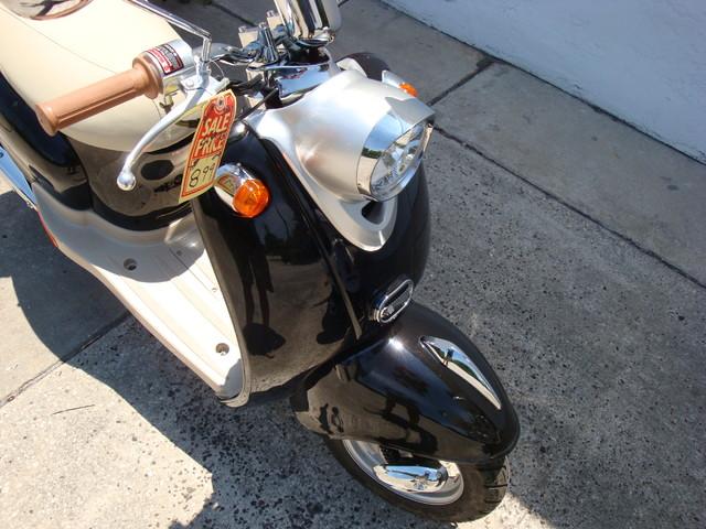 2016 Daix 49cc scooter retro Daytona Beach, FL 3