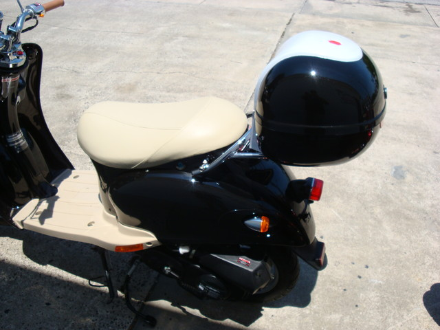 2016 Daix 49cc scooter retro Daytona Beach, FL 5