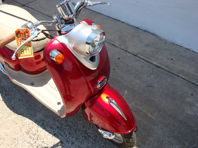 2016 Daix 49cc scooter retro Daytona Beach, FL 3