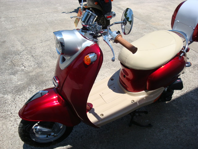 2016 Daix 49cc scooter retro Daytona Beach, FL 6