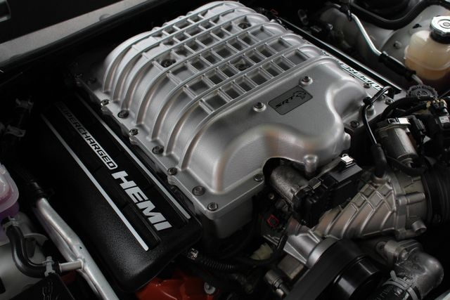 2016 Dodge Challenger SRT Hellcat - NAV - SUNROOF - 199 MPH TOP SPEED! Mooresville , NC 51