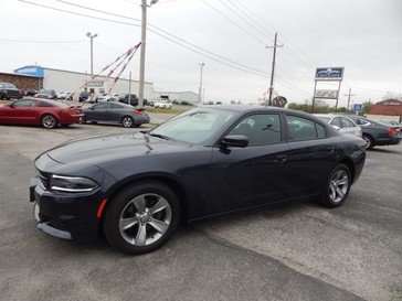 2016 Dodge Charger SXT in