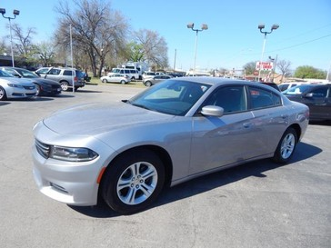 2016 Dodge Charger SE in