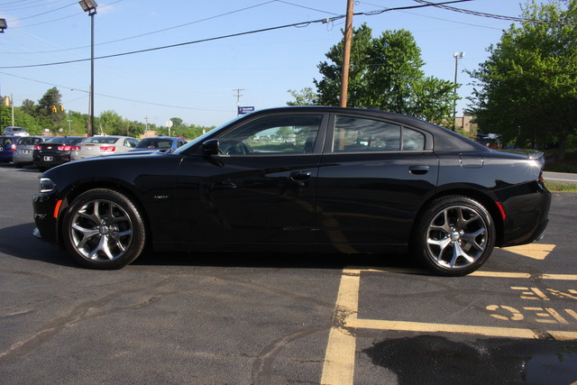 2016 Dodge Charger R/T Mooresville , NC 3