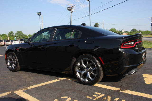 2016 Dodge Charger R/T Mooresville , NC 4