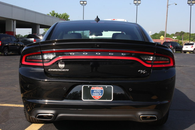 2016 Dodge Charger R/T Mooresville , NC 5
