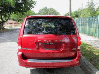 2016 Dodge Grand Caravan SXT Miami, Florida 2